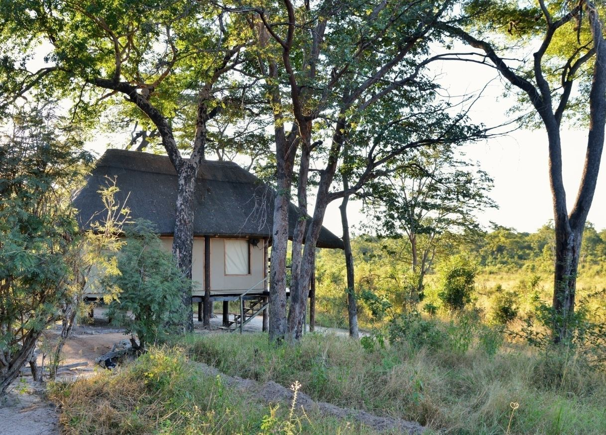 Khulu Bush Camp room outside